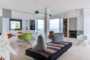 Magnificent contemporary villa Esterel Massif, Виллы  Фрежюс - big - 12