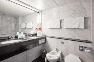 Junior Suite-Includes Public Transit Ticket