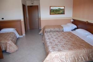 Hotel Ristorante Donato, Hotely  Calvizzano - big - 39
