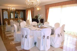 Hotel Ristorante Donato, Hotely  Calvizzano - big - 48