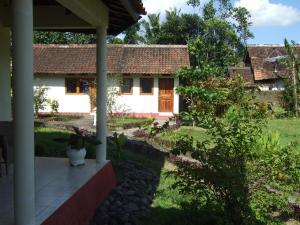 Guesthouse Rumah Senang, Гостевые дома  Kalibaru - big - 24