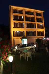 Hotel Zamrud