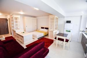 Airport Residence, Apartmány  Otopeni - big - 6