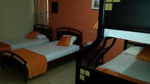 Hotel Suites Don Juan, Hotely  Milagro - big - 2