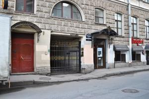 Apartment on Bolshaya Konyushennaya 1