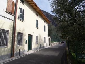 Casa Lory, Prázdninové domy  Marone - big - 8
