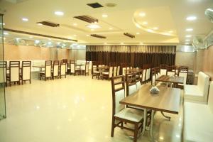 A Picture of Hotel Raj Sheronz