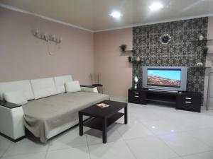 Apartment on Prospect Oktyabrya 42, Апартаменты  Уфа - big - 1