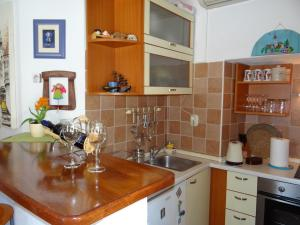 Old town apartment Dino, Apartmány  Makarska - big - 4