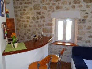 Old town apartment Dino, Apartmány  Makarska - big - 5