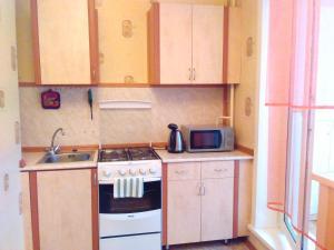 Апартаменты 6-ый Микрорайон 27, Апартаменты  Тихвин - big - 2