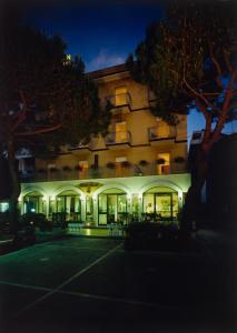 Hotel Tonti, Hotely  Misano Adriatico - big - 35