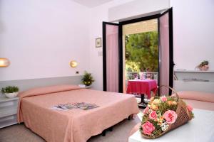 Hotel Tonti, Hotely  Misano Adriatico - big - 40