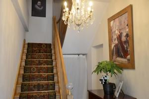 Maison du chatelain, Penziony  Saint-Aignan - big - 13