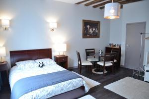 Maison du chatelain, Penziony  Saint-Aignan - big - 19