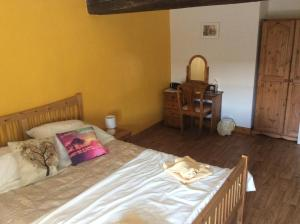Le Petit Bijou, Bed & Breakfast  Saint-Fraigne - big - 43