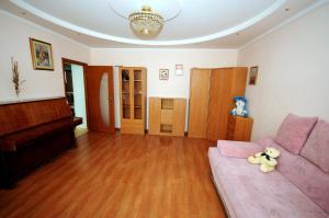Elena Guest House, Vendégházak  Jevpatorija - big - 15
