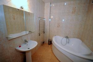 Elena Guest House, Vendégházak  Jevpatorija - big - 1
