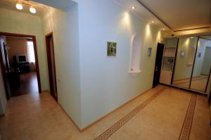 Elena Guest House, Vendégházak  Jevpatorija - big - 10