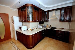 Elena Guest House, Vendégházak  Jevpatorija - big - 9