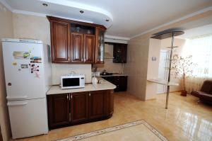 Elena Guest House, Vendégházak  Jevpatorija - big - 8