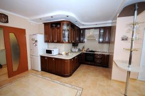 Elena Guest House, Vendégházak  Jevpatorija - big - 6