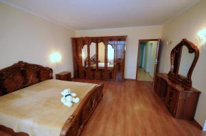 Elena Guest House, Vendégházak  Jevpatorija - big - 4