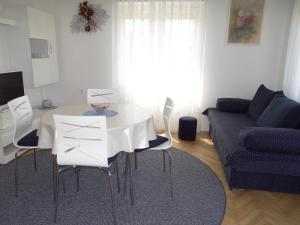 Apartment Marohnic, Apartments  Malinska - big - 10