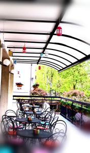 Hotel Lux, Hotel  Cesenatico - big - 71
