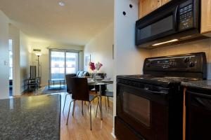 Atlas Suites Furnished Apartments- Rogers Center, Downtown Toronto, Apartmány  Toronto - big - 4