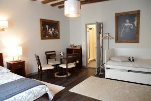 Maison du chatelain, Penziony  Saint-Aignan - big - 53