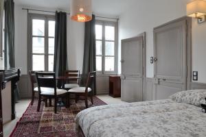 Maison du chatelain, Penziony  Saint-Aignan - big - 46