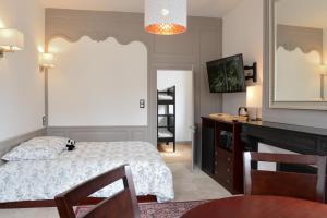 Maison du chatelain, Penziony  Saint-Aignan - big - 9