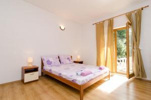 Apartments Limuni