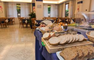 Hotel Leone, Szállodák  Sorrento - big - 163