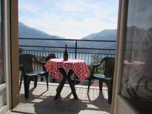 Oasi dei Girasoli, Apartments  Abbadia Lariana - big - 12