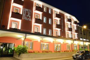 Prenota Hotel Diana