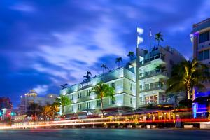 Nearby hotel : Bentley Hotel South Beach