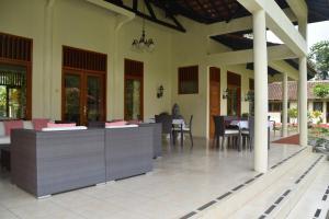 Guesthouse Rumah Senang, Гостевые дома  Kalibaru - big - 65