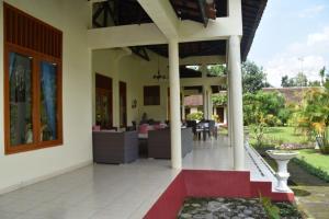 Guesthouse Rumah Senang, Гостевые дома  Kalibaru - big - 77