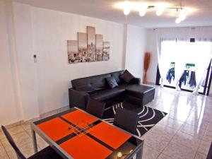 Sunset Bay Self-catering Apartments, Apartments  Adeje - big - 18