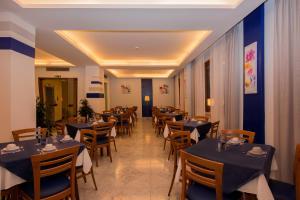 Hotel Leone, Szállodák  Sorrento - big - 59