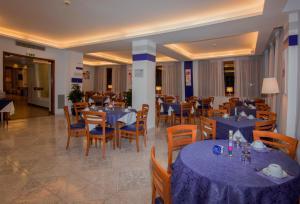 Hotel Leone, Szállodák  Sorrento - big - 138