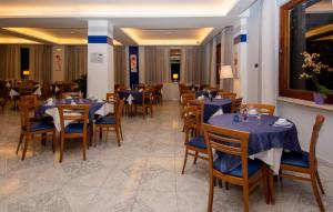 Hotel Leone, Szállodák  Sorrento - big - 41