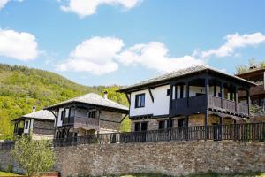 Three Houses Complex