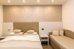 Hotel Touring, Hotely  Lido di Jesolo - big - 74
