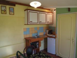 Chambres et Tables d'hôtes à l'Auberge Touristique, Bed & Breakfast  Meuvaines - big - 18