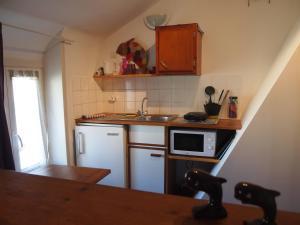 Chambres et Tables d'hôtes à l'Auberge Touristique, Bed & Breakfast  Meuvaines - big - 21