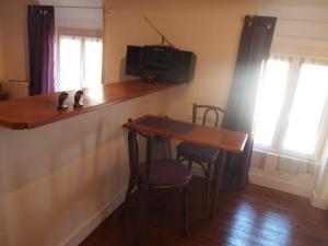 Chambres et Tables d'hôtes à l'Auberge Touristique, Bed & Breakfast  Meuvaines - big - 26