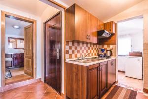 Villa Roses Apartments & Wellness, Apartmány  Ičići - big - 127